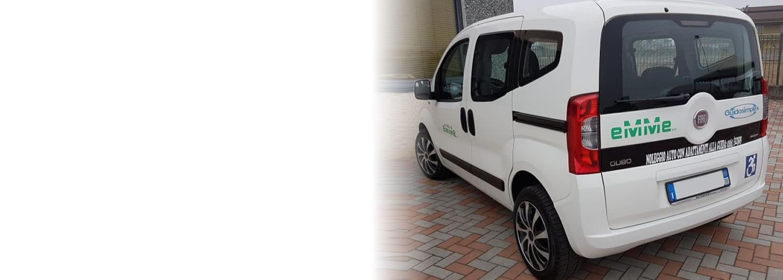 Auto a noleggio FIAT QUBO con adattamento per disabili